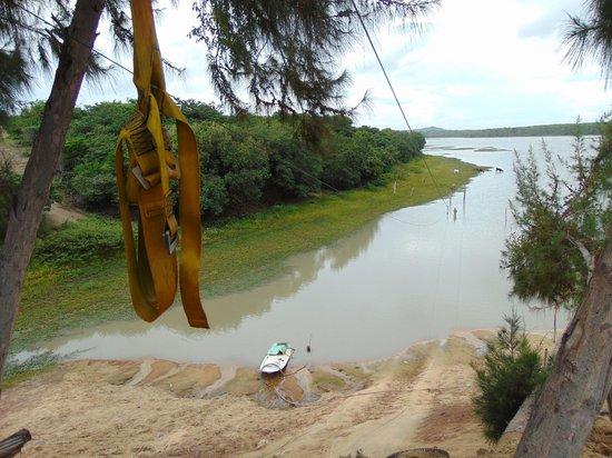 Praia de Cumbuco: tirolesa