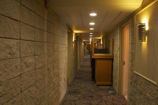Executive Royal Hotel Calgary: Hallway With Piled Up Tables During Renovation
