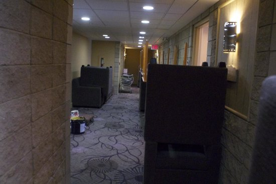Executive Royal Hotel Calgary: Hallway With Piled Up Furniture During Renovations