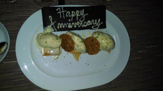 Salish Lodge & Spa: Anniversary Pistachio Ice Cream Dessert