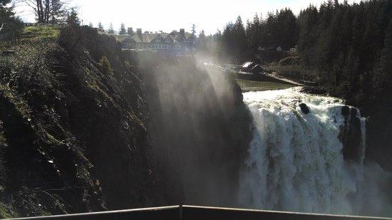 Salish Lodge & Spa: Salish Lodge and Snoqualmie Falls