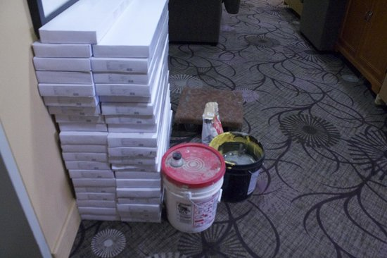Executive Royal Hotel Calgary: Renovation Supplies Sitting Out In Hallway