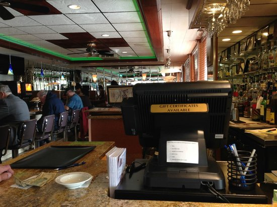 Vernon Diner: Entry and checkout