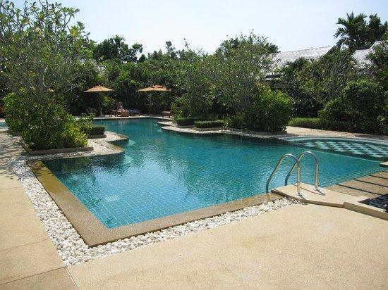 Phuket Meditation Center: Pool Area