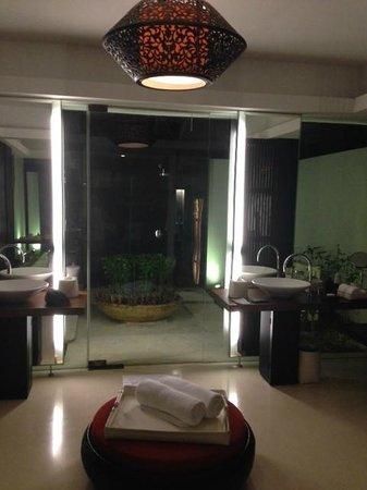 Park Hyatt Maldives Hadahaa: bathroom