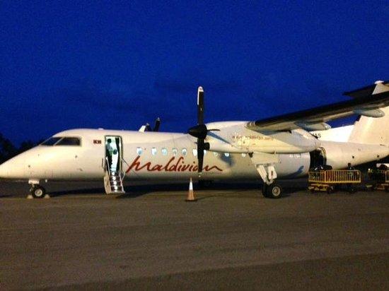 Park Hyatt Maldives Hadahaa: commuter flight to the speedboat