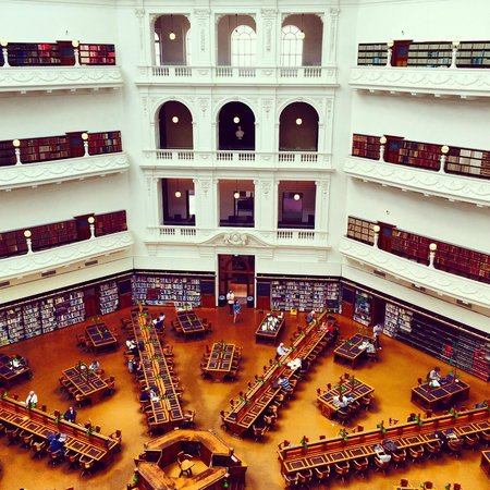 Biblioteca Estatal de Victoria: Top floor view