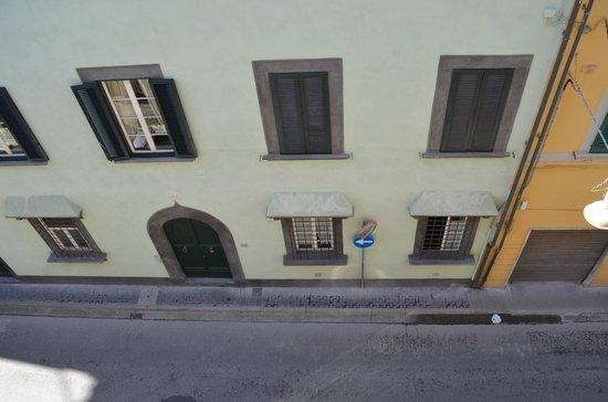 Bologna Hotel Pisa : vista a la calle