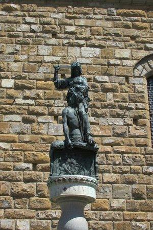 Piazza della Signoria : Holofernes