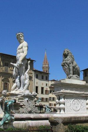 Piazza della Signoria : The Florentine Lion