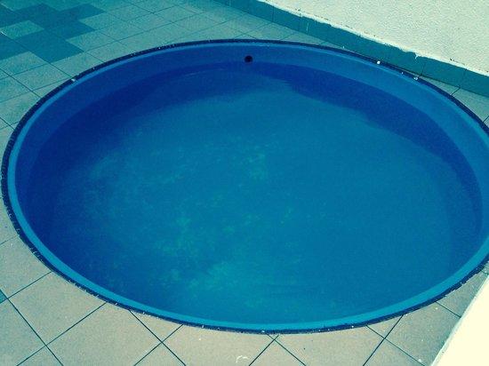 Mutiara Johor Bahru: Kids pool.. Not satisfied with this
