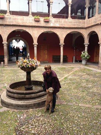 Hotel Costa Del Sol Ramada Cusco: Área Comum - jardim