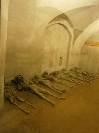 Capuchin Monastery and Vault : In der Gruft