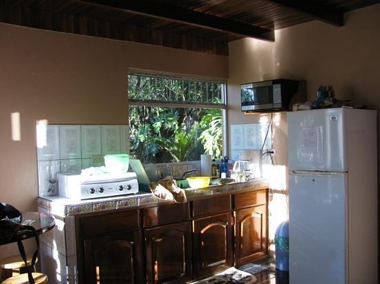 Cabañas Valle Campanas: cabin kitchen
