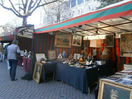 Place du Grand Sablon: グラン サブロン広場