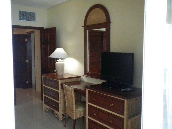 Simpson Bay Resort & Marina : bedroom