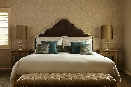 The Inn at Rancho Santa Fe: Honeysuckle Bed