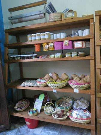 La Casa del Pan: The store