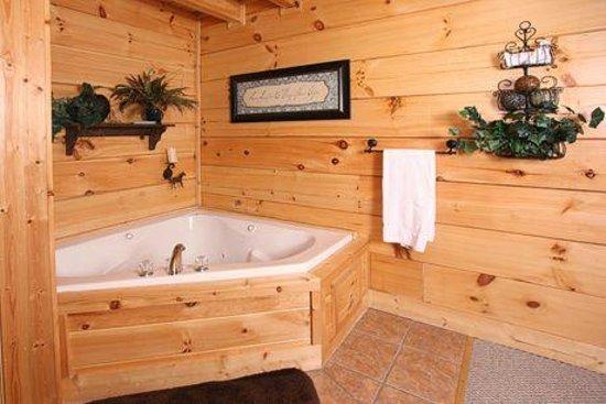 Bear Creek Crossing Resort : whirlpool tub