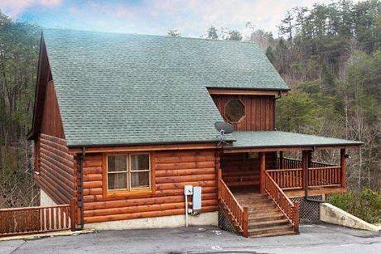 Bear Creek Crossing Resort : mountain view
