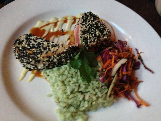 5th Avenue Grille : Delicious ahi tuna with double drizzles of wasabi mayonnaise and teriyaki.