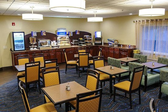 Holiday Inn Express Ludlow : Express Start Breakfast Room