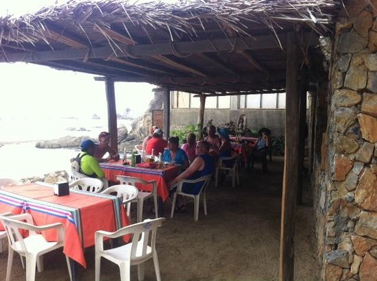 La Bocana Restaurante: Some happy clients in Bocana Restaurant....
