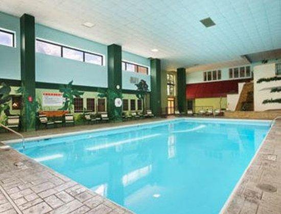 Kautilya Zanesville Hotel : Pool