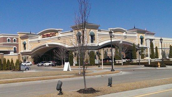 River City Casino & Hotel : Porte Cochere View