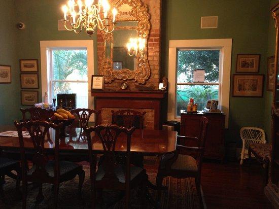 Green House Inn : Dining room where you eat breakfast