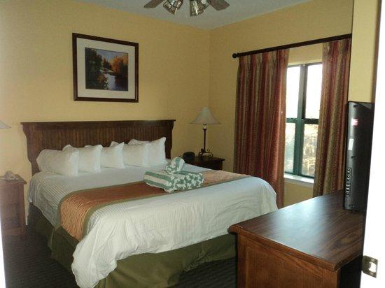 Wyndham Smoky Mountains: Master bedroom