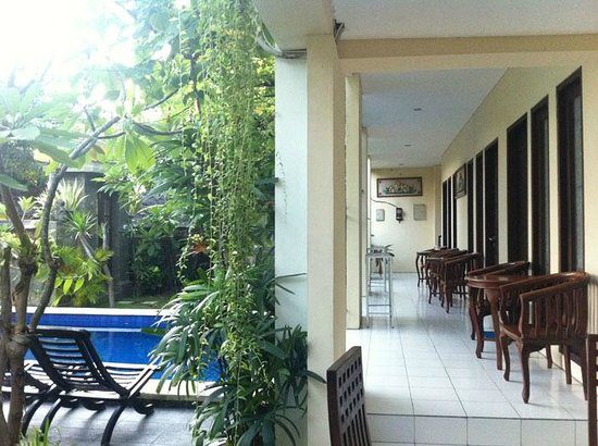 Grand Bimasena Hostel: view of ground floor corridor & rooms