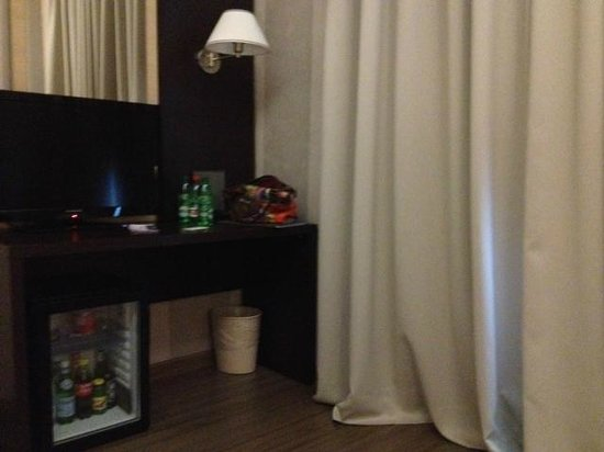 Hotel Club Florence: Angolo scrivania