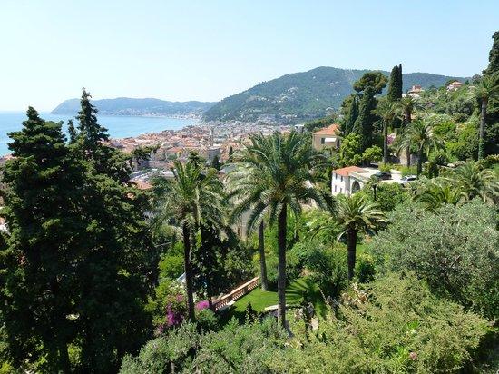 Villa della Pergola: View from room across Alassion to the bay