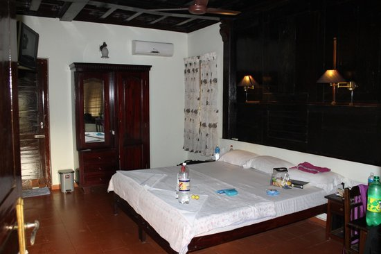 The Pamba Heritage Villa: Our lovely room