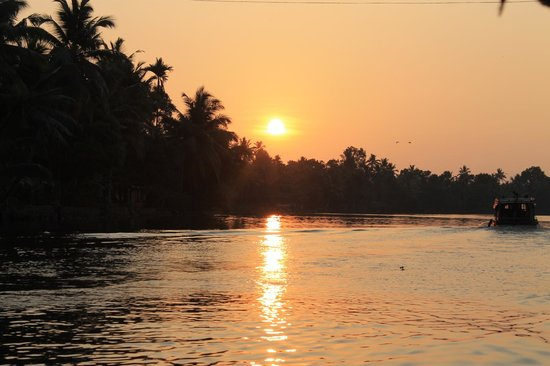 The Pamba Heritage Villa: Perfect location on the backwaters