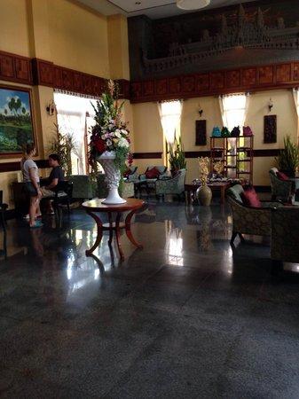 Ohana Phnom Penh Palace Hotel: Lobby