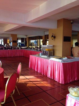 Ohana Phnom Penh Palace Hotel: Breakfast area 1