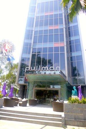 Pullman Saigon Centre : the hotel