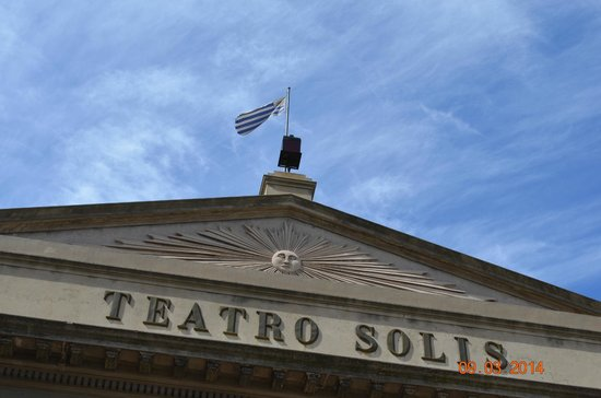 Theatre Solis : Fachada