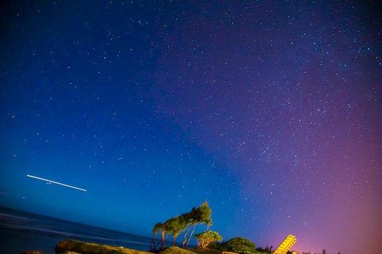 Kauai Beach Resort : A little night photography shot from the hotel's beach :)