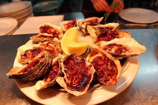 Grace's Tavern: Oysters Kilpatrick