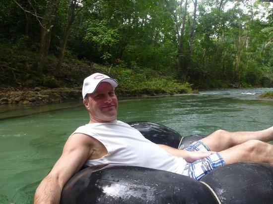 White River: Un homme heureux dans cet endroit relaxant