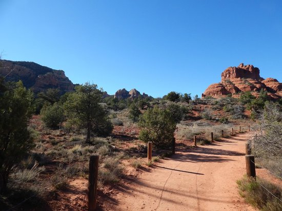 Bell Rock: Along the hiking trail