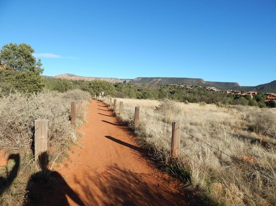 Bell Rock: Headed back towards the parking area