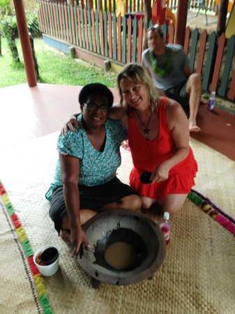 Fiji Hideaway Resort & Spa: My friend Emma and the Kava