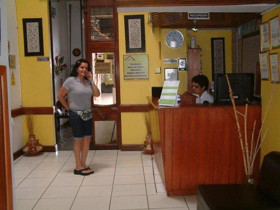 Hotel La Casona Iquitos: RECEPTION