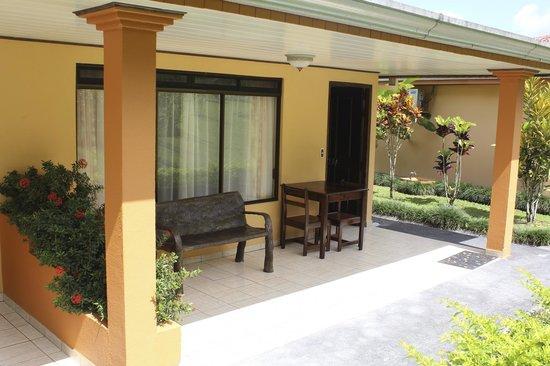 Los Lagos Hot Springs: front porch