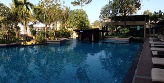Novotel Phuket Kata Avista Resort and Spa: The pool