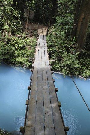 Rio Celeste: man made bridge